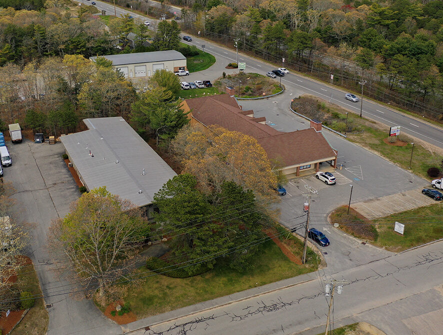 Bourne-55-Portside-Drive-Aerial-with-MacArthur-Blvd